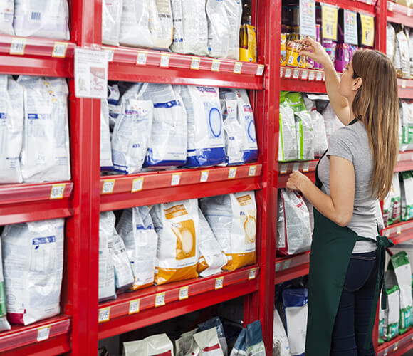 customers picking up flexible packaging products